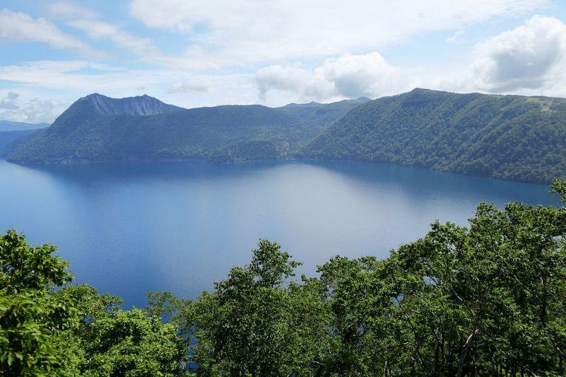 Danau mashu terbentuk akibat ledakan vulkanik ribuan tahun lalu. Danaunya juga disakralkan oleh suku Ainu (suku asli di Hokkaido) (iStock)