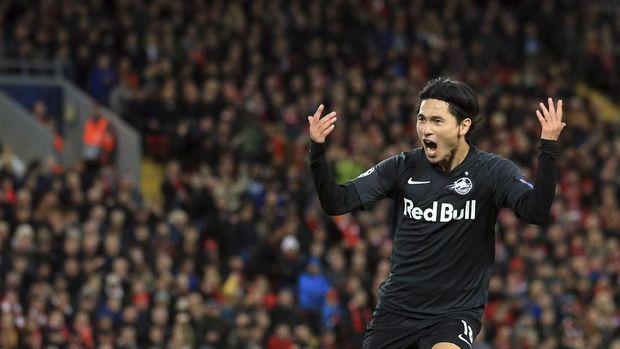 Takumi Minamino bakal jadi anggota baru Liverpool di paruh kedua kompetisi musim ini.