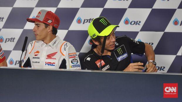 Masalah antara Valentino Rossi dengan Marc Marquez diklaim selesai di depan publik saja.