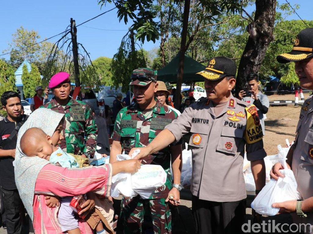 Kapolda Sulsel Jemput 83 Pengungsi dari Wamena di Lanud Sultan Hasanuddin