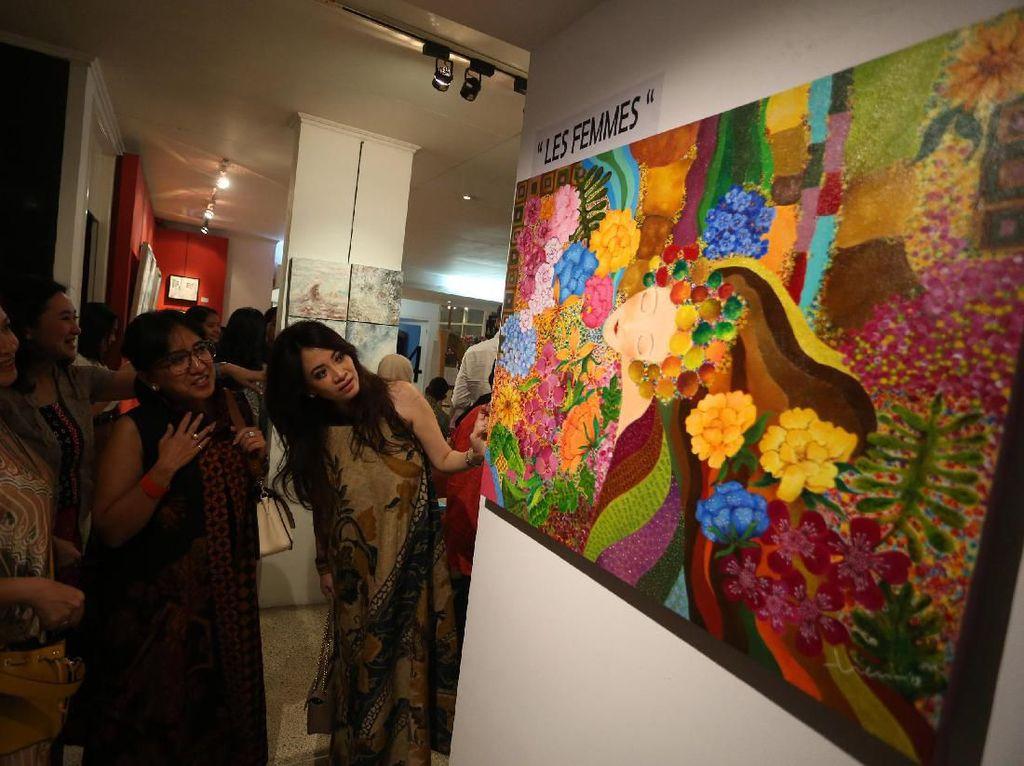 Pelukis Perempuan Unjuk Gigi di Pameran Les Femmes