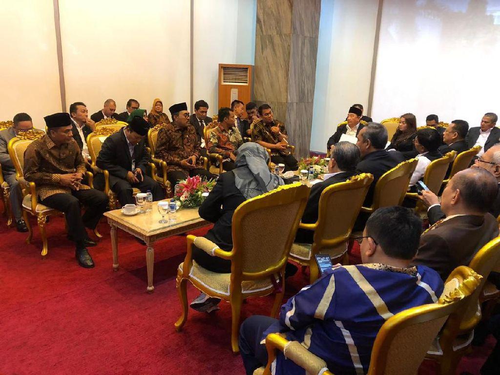 Ragam Kepentingan di Balik Pemilihan Ketua MPR