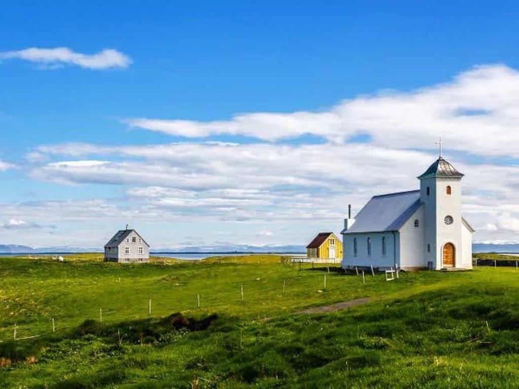 Sudah Vaksin COVID, Bisa Bebas Karantina di Islandia