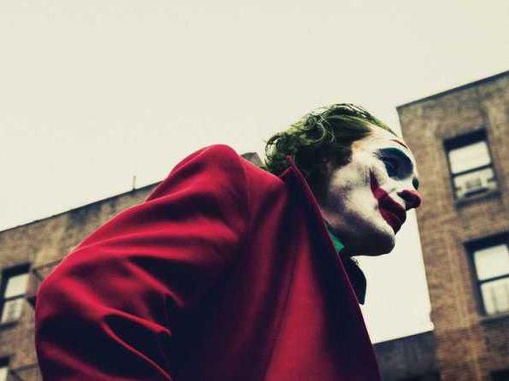 Sinting Berjamaah Bersama Joker