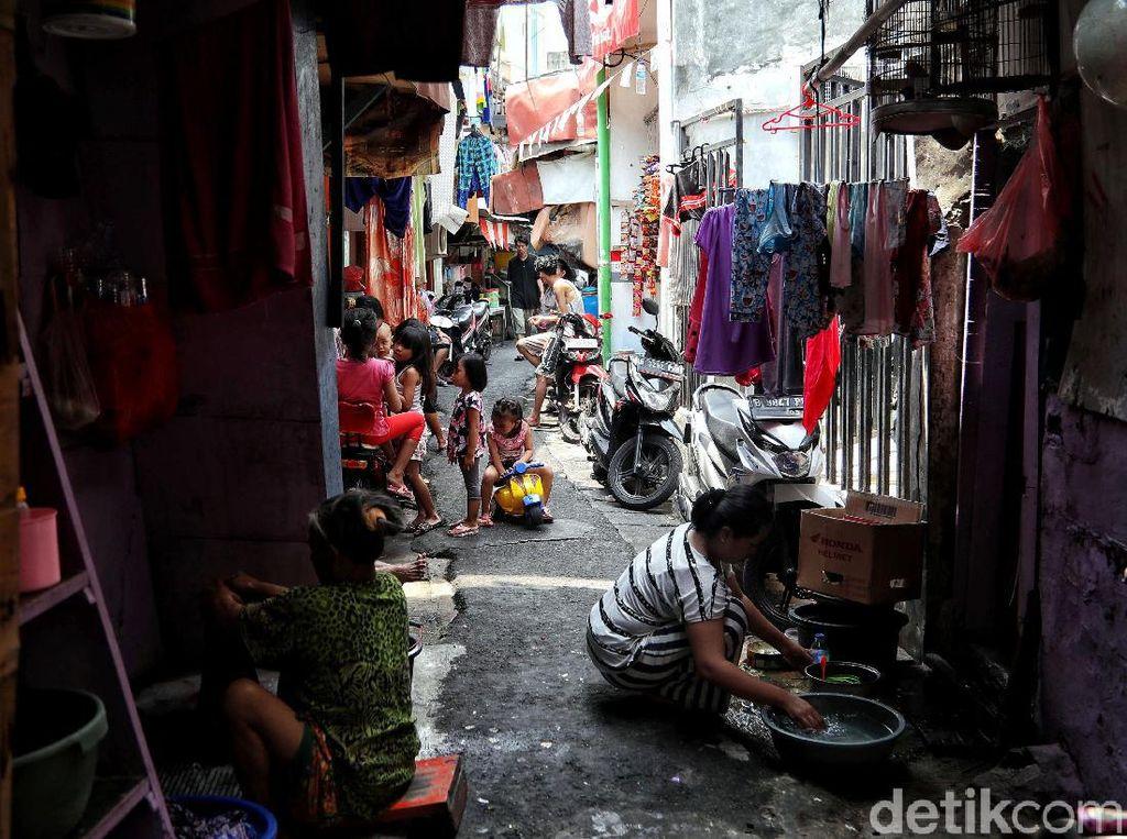 Mengintip Kehidupan Warga di Permukiman Padat Penduduk Ibu Kota