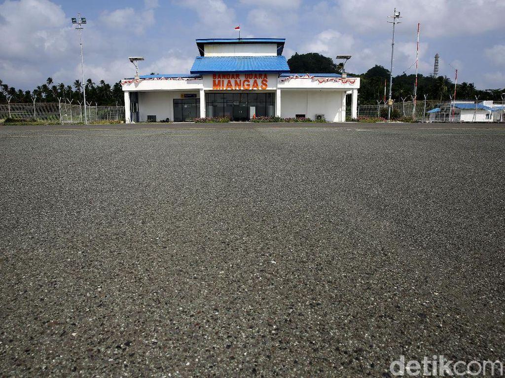 Bandara Miangas Cuma Punya 1 Penerbangan dalam 1 Minggu