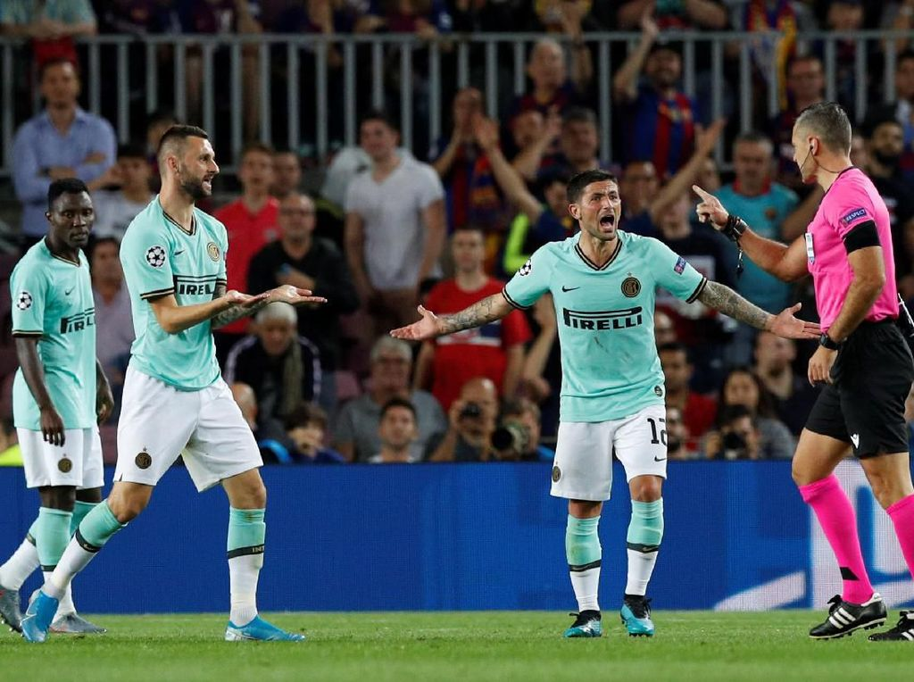Arthur: Wasit Tepat Tak Beri Penalti untuk Inter Milan