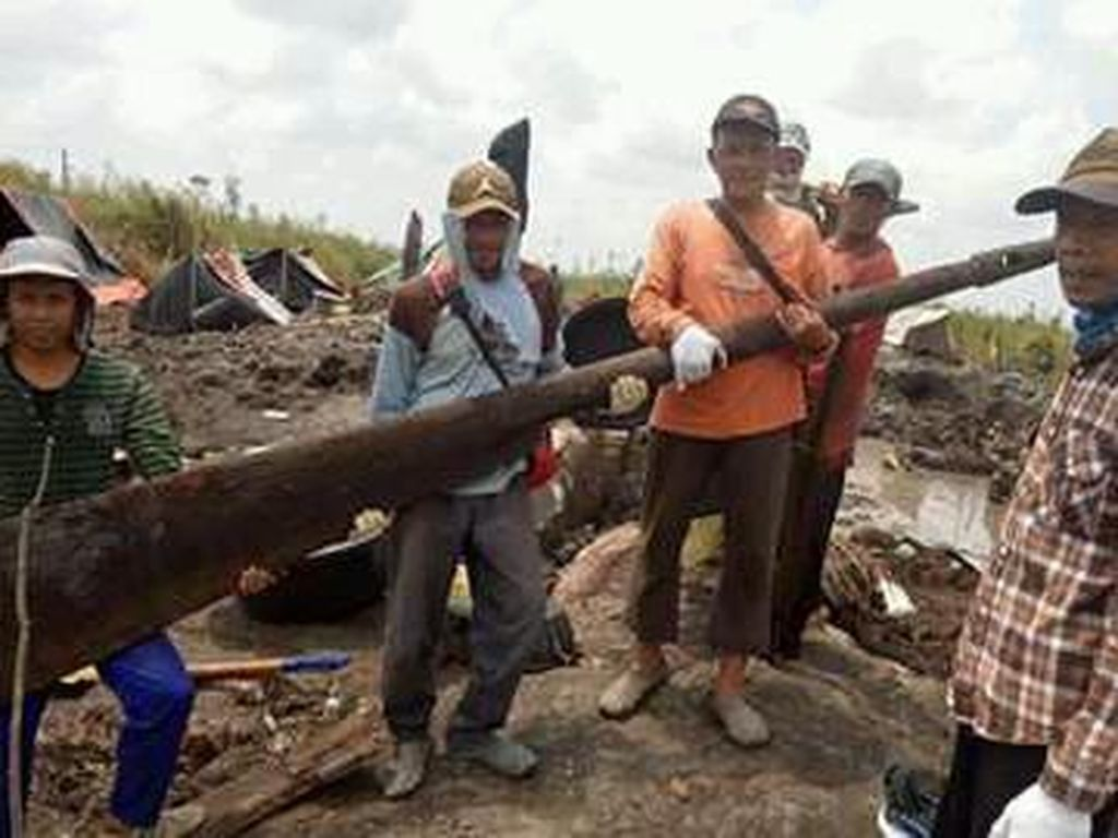 Pemkab OKI Tak Bisa Larang Pemburu Harta Karun Sriwijaya di Bekas Karhutla