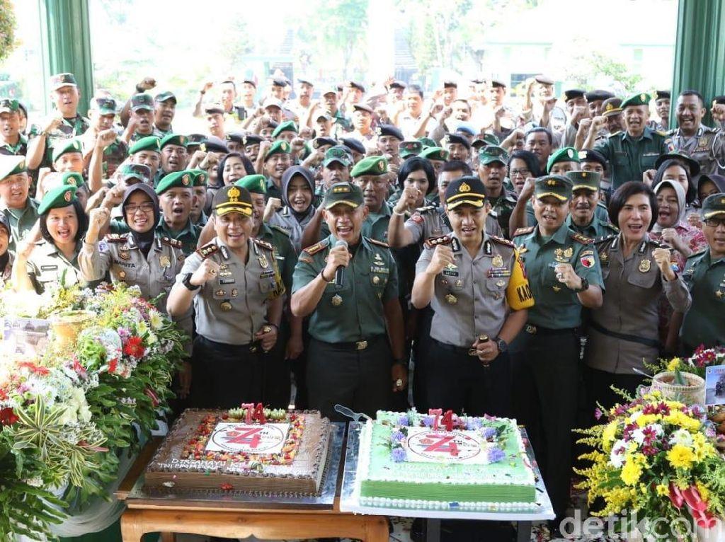 Rayakan HUT ke-74 TNI, Ini Kado Polisi untuk Kodim dan Korem Mojokerto