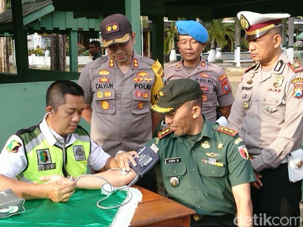 Jelang HUT TNI, Polisi Trenggalek Beri Layanan SIM Gratis