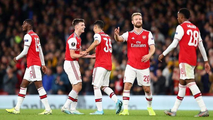 Lini belakang Arsenal dinilai sudah memperbaiki performa. (Foto: Dan Istitene/Getty Images)