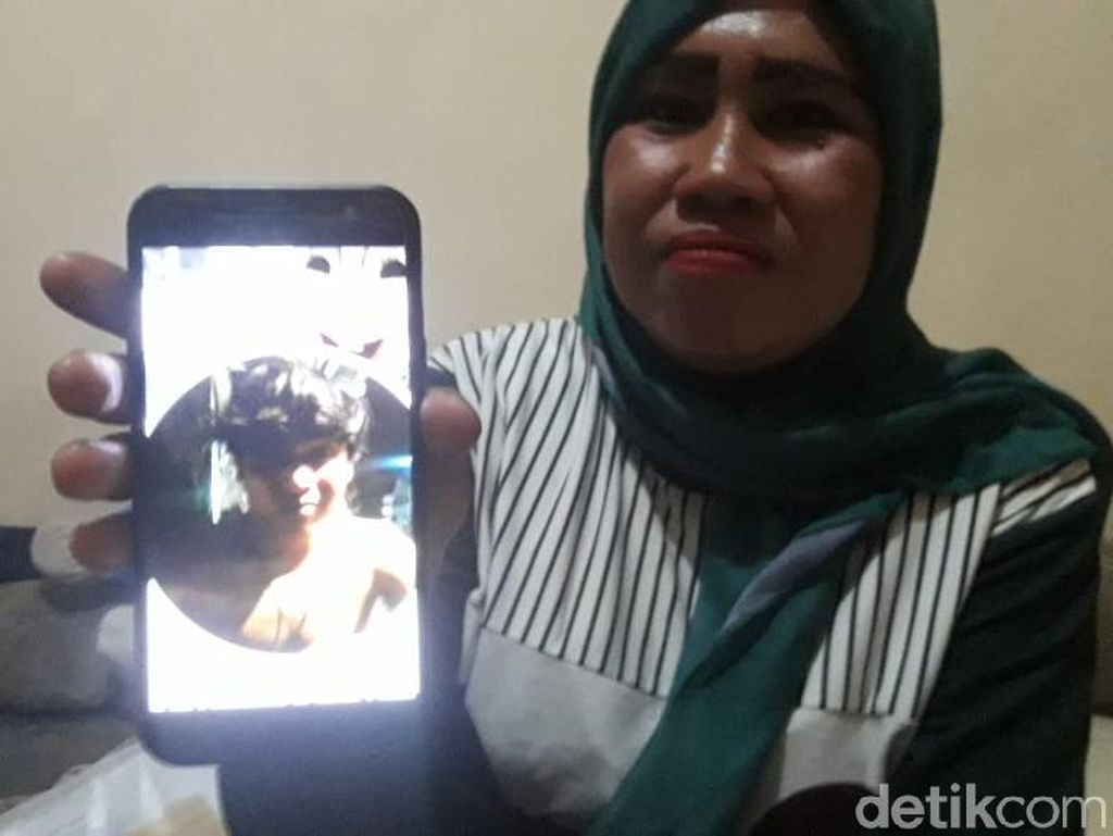Yadi Tewas Saat Demo di DPR, Ibunda Kaget Jenazahnya Bengkak-Berdarah