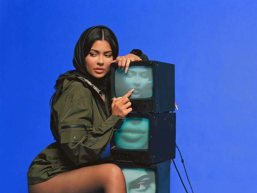 Kylie Jenner Unjuk Suara, Netizen: Aku Sih Yes!