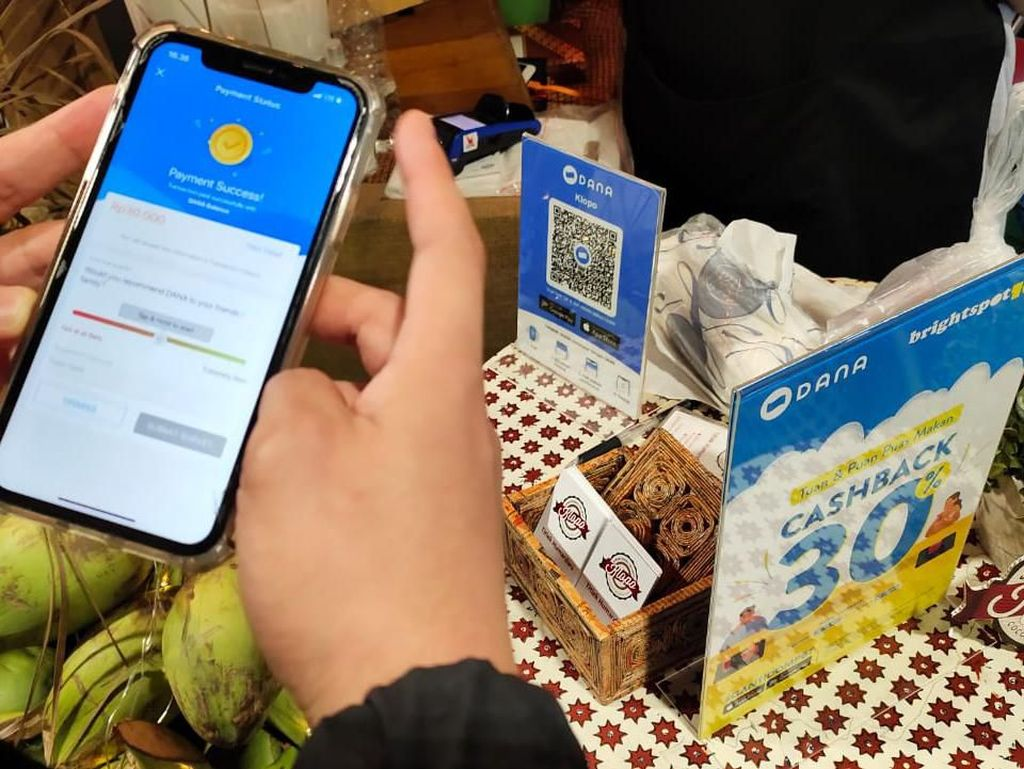 Menjajal Dompet Digital DANA Buat Jajan di BrightspotMRKT 2019