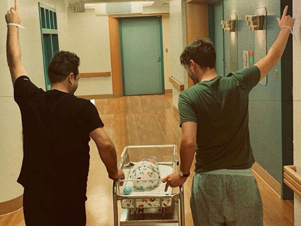 Mark Westlife Punya Bayi dengan Pasangan Pria, Sel Telurnya dari Mana?