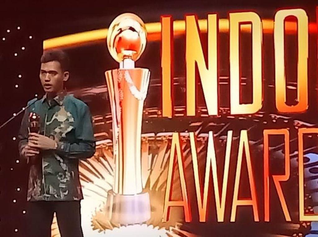 Asrorun Niam Raih Penghargaan Indonesia Award 2019