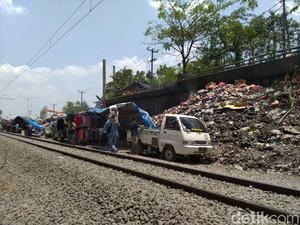 Sampah Menumpuk Bertahun-tahun di Pinggir Rel, DLH Bogor: Belum Ada Laporan