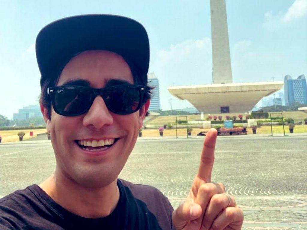 Pesulap Zach King Lagi di Jakarta, Netizen Sebut-sebut Gedung DPR