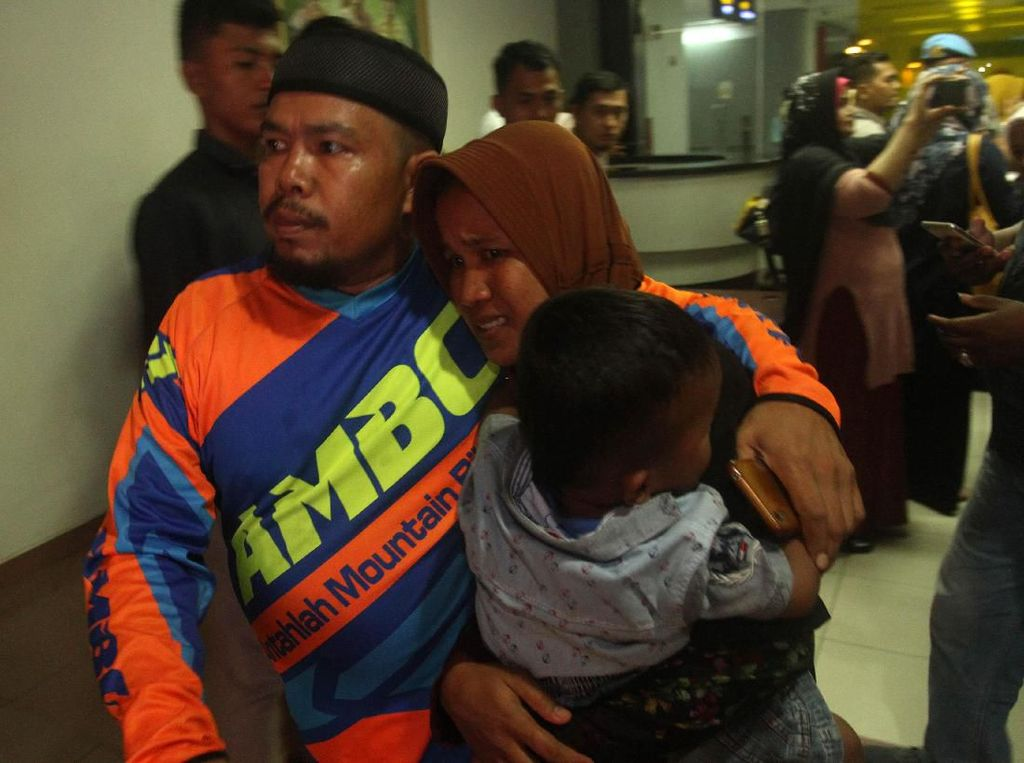 Relawan Mahasiswa Bantu Korban Ricuh Wamena di Makassar
