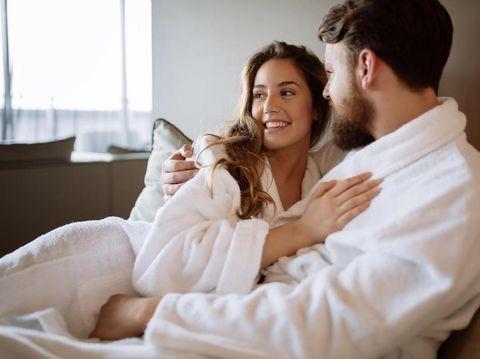 3 Tips agar Hubungan Seks Tetap Aman Selama Hamil Muda