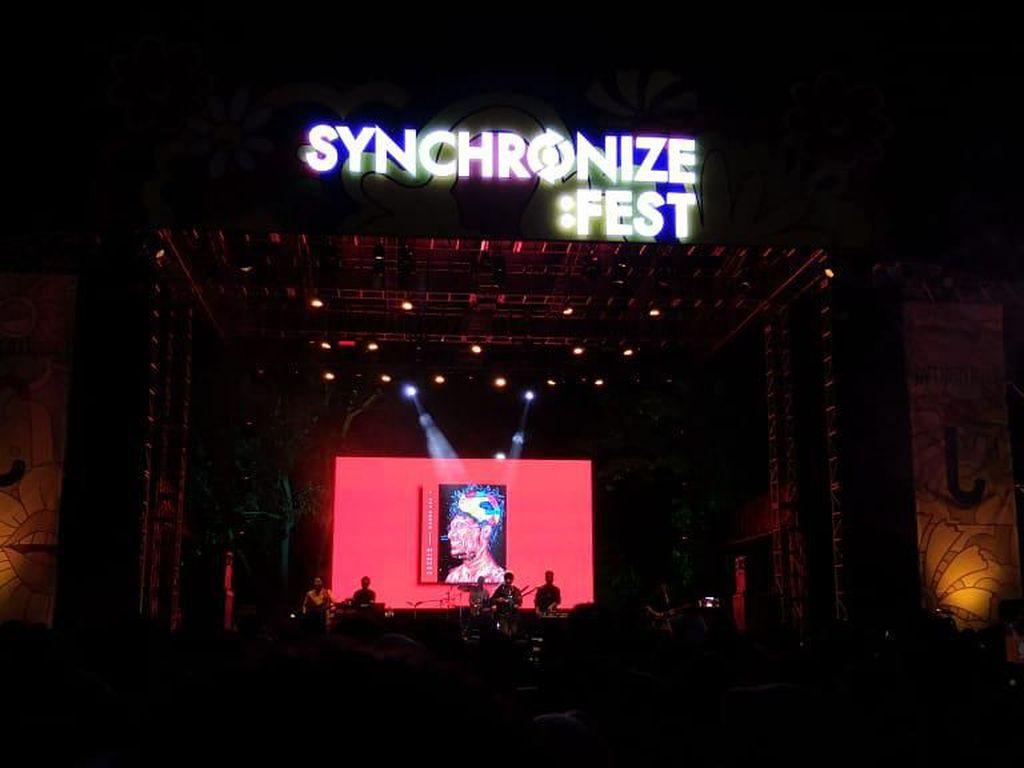 Mantra Mantra Kunto Aji Kembali Sihir Synchronize Fest Hari Pertama