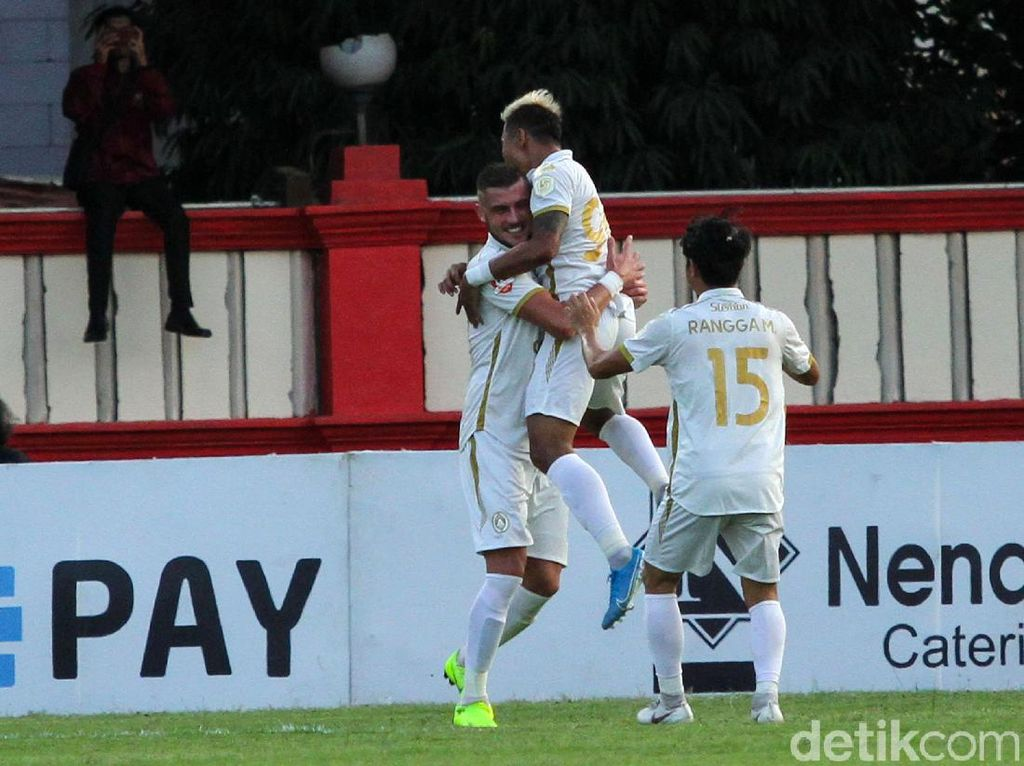 Yehven Bokhashvili Menangkan PSS atas Bhayangkara FC
