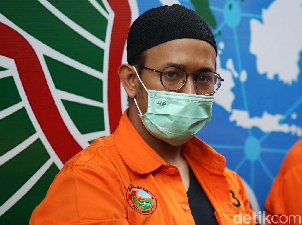 Tersandung Kasus Narkoba, Artis Rifat Umar Berbaju Tahanan