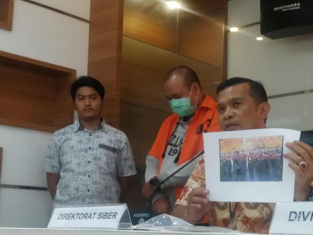 Polisi Tangkap Kreator Video Hoax Yel-yel TNI Macan Jadi Kucing
