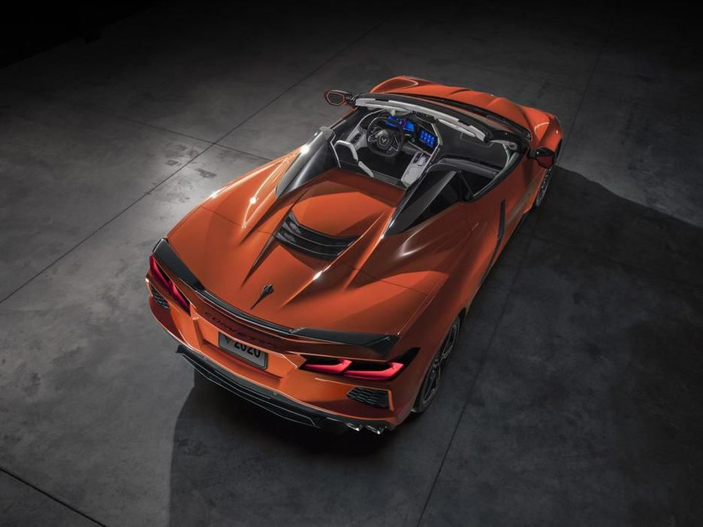 GM Siapkan Chevrolet Corvette Hardtop Tanpa Atap