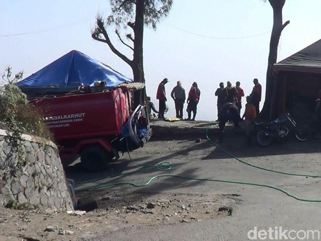 Bukit Penanjakan Gunung Bromo Terbakar, 10 Hektare Ludes