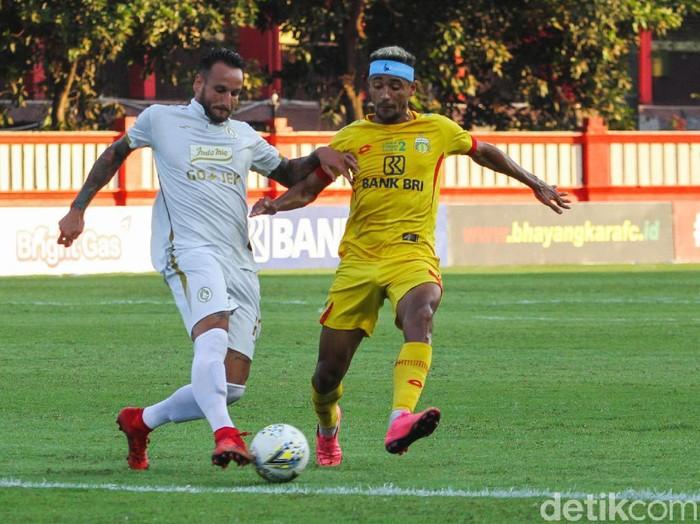 PSS Sleman berhasil mengalahkan Bhayangkara FC di lanjutan Liga 1 di Stadion PTIK, Jakarta, Jumat (4/10/2019). Super Elang Jawa menang 2-0 berkat brace dari Yehven Bokhashvili.