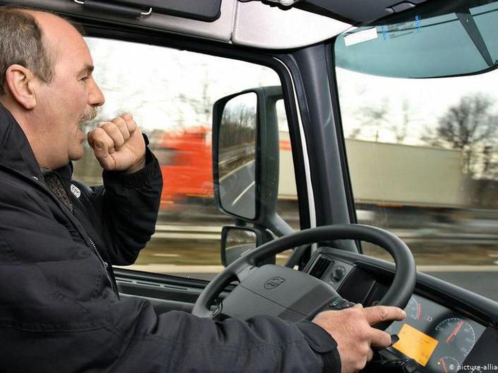 Hati-hati Microsleep Sebabkan Kecelakaan Saat Berkendara
