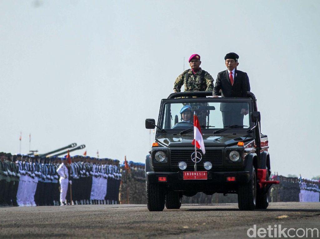 Momen 100 Hari Jokowi-Maruf di Sektor Pertahanan Keamanan