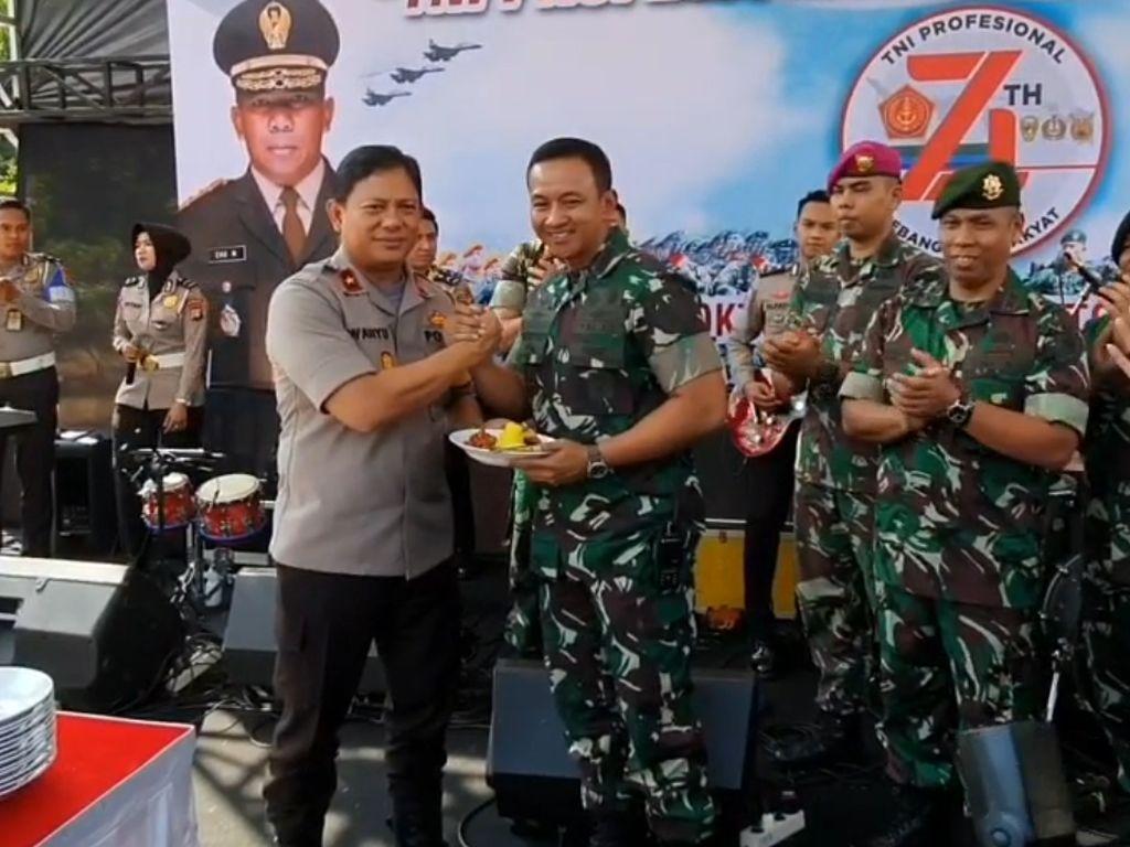Polda Metro Jaya Ikut Rayakan HUT ke-74 TNI