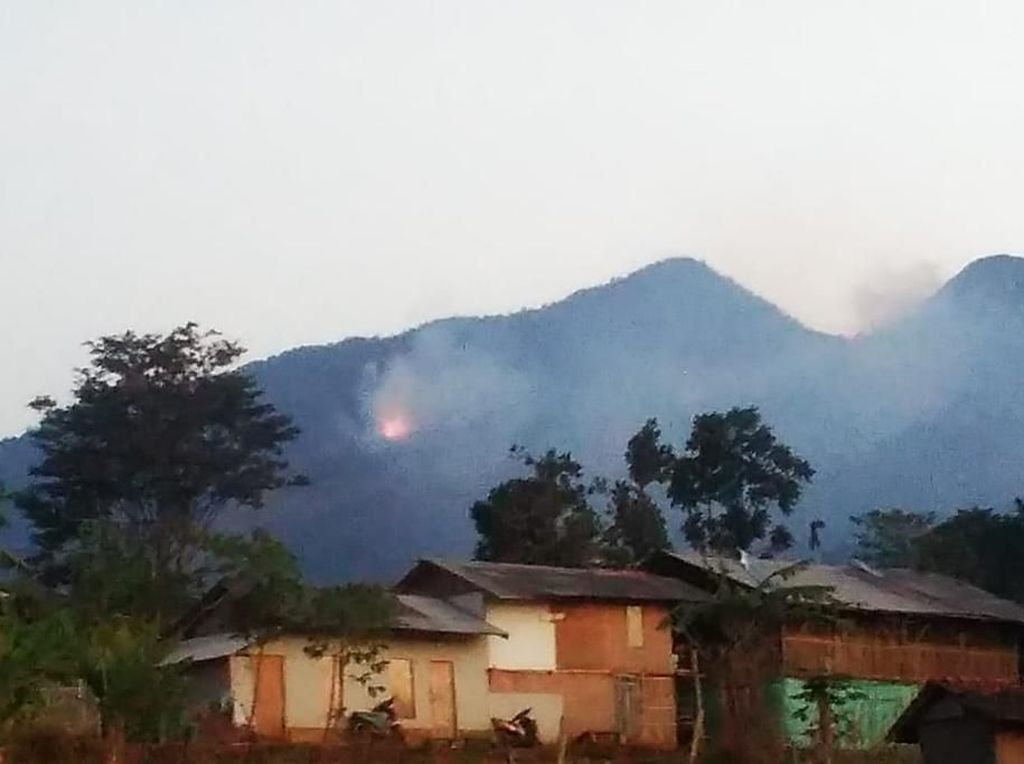 24 Jam Lebih, Kebakaran di Gunung Malabar Bandung Belum Padam