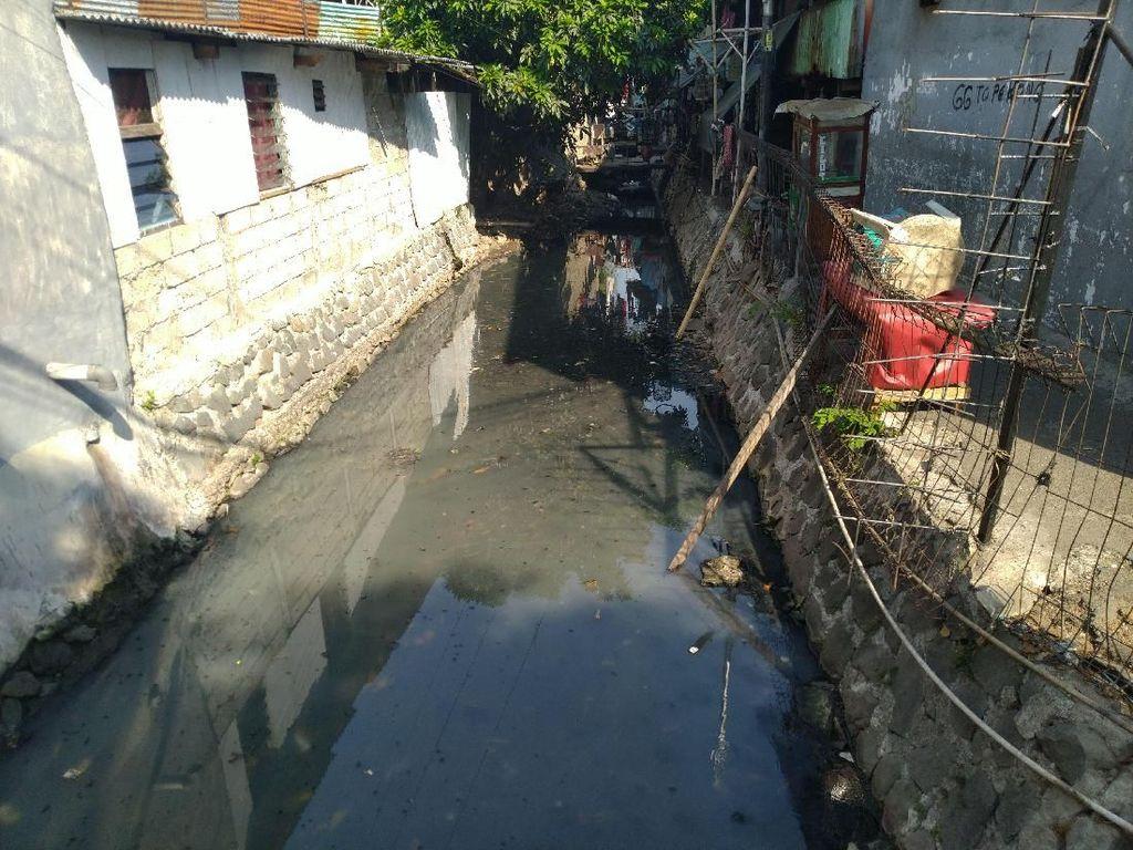 Cerita Warga di Jakbar Tak Punya Septic Tank, Kotoran Dibuang ke Kali