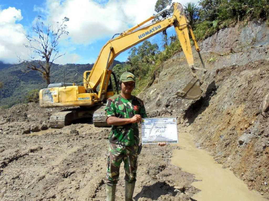 Kilas Balik Prajurit TNI Tembus Hutan Bangun Trans Papua