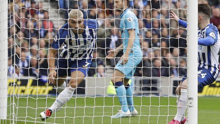 Tottenham Hotspur sementara tertinggal 0-2 dari Brighton & Hove Albion di babak pertama pekan kedelapan Liga Inggris 2019/2020. (Foto: Kirsty Wigglesworth/AP Photo)
