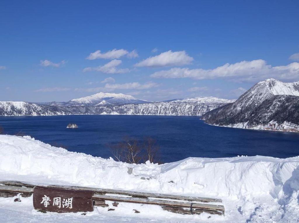 5 Hal tentang Danau Terjernih di Jepang