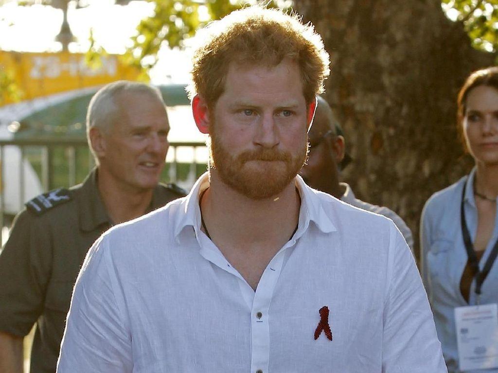 Tos dengan Pangeran Harry, Penyanyi Ini Malah Kena Masalah