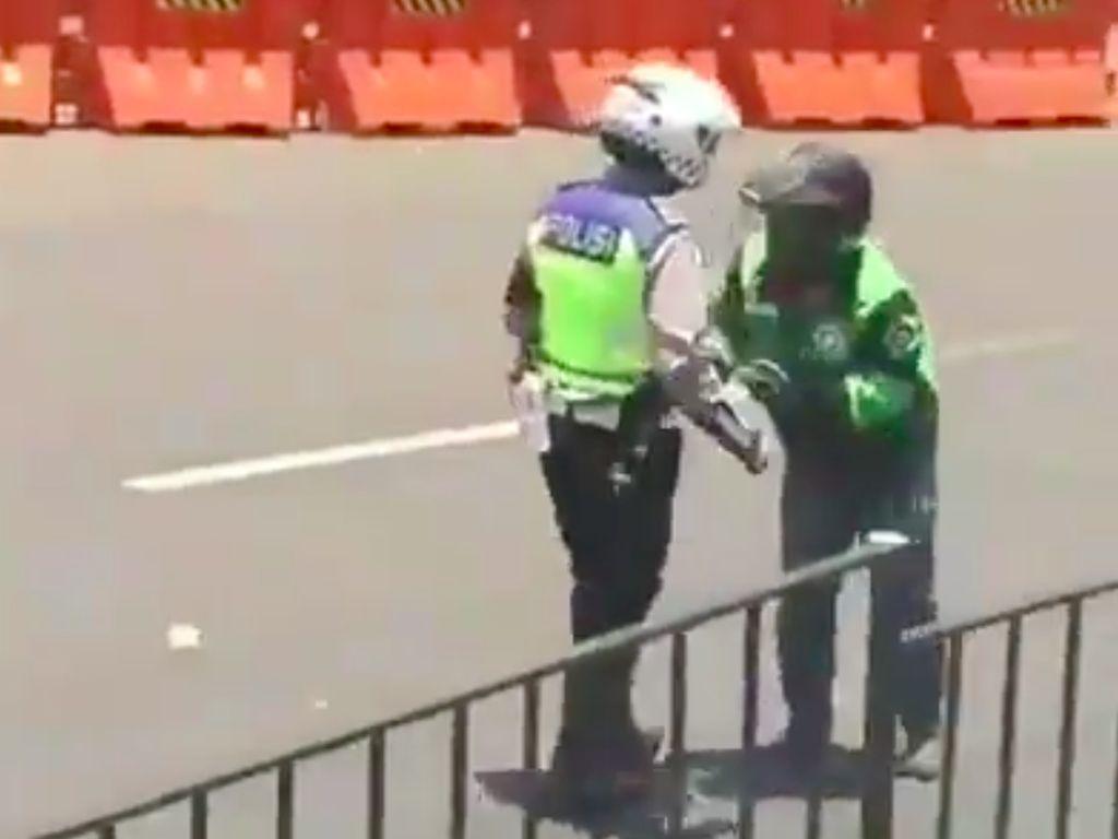 Sepakat Damai! Polantas yang Tendang Ojol di Bogor Minta Maaf