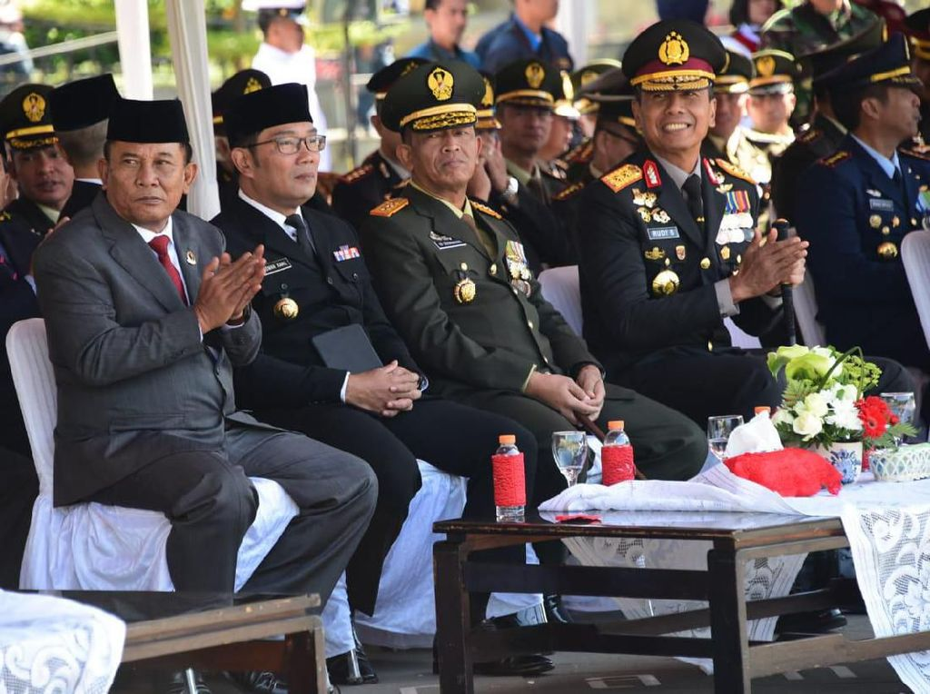 HUT Ke-74 TNI, Ridwan Kamil Ajak Perangi Hoaks