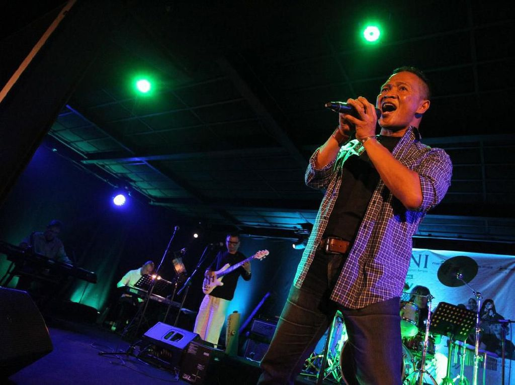 Adu Tarik Suara di Festival Karaoke BUMN 2019