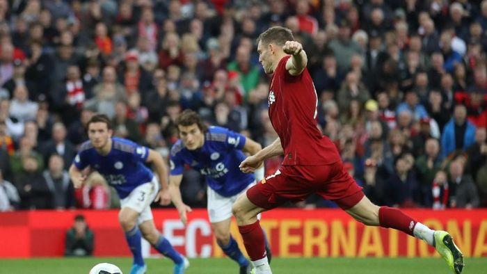 Liverpool menang atas Leicester City berkat penalti James Milner (Carl Recine/Reuters)