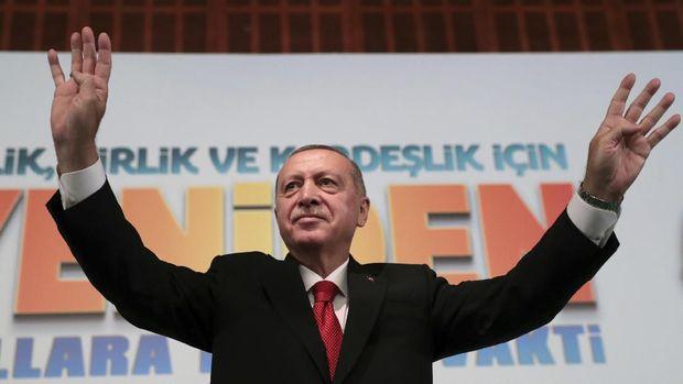 Presiden Turki Recep Tayyip Erdogan disebut Enes Kanter sebagai pemimpin otoriter. (