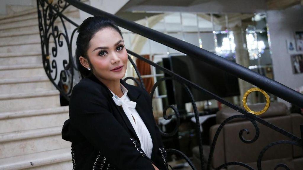 Wiranto Ditusuk Orang, Krisdayanti Sebut Pengamanannya Longgar