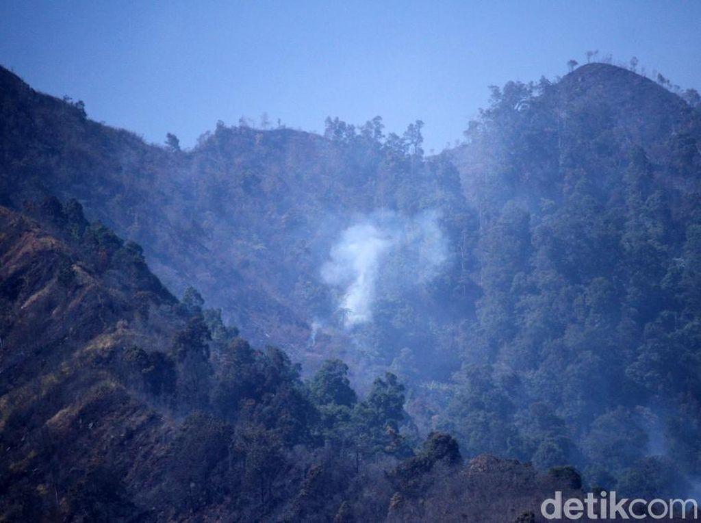 Polda Jabar Selidiki Penyebab Kebakaran Hutan di Gunung Malabar