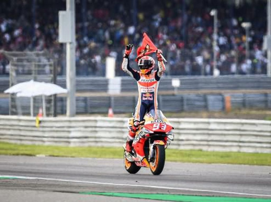 Marc Marquez Memburu Triple Crown