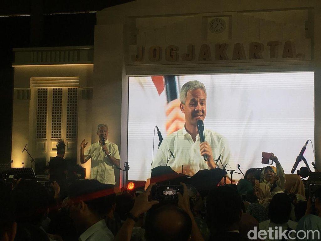 Sesama Alumni UGM, Ganjar Minta Kagama Dukung Pemerintahan Jokowi