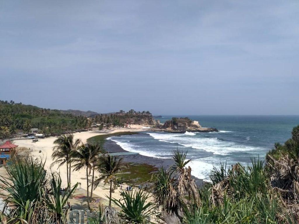 Birunya Laut di Pantai Klayar Menyimpan Seribu Kenangan Didi Kempot